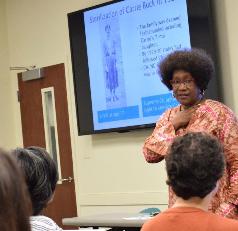 image of Iris Carlton-LaNey teaching a class
